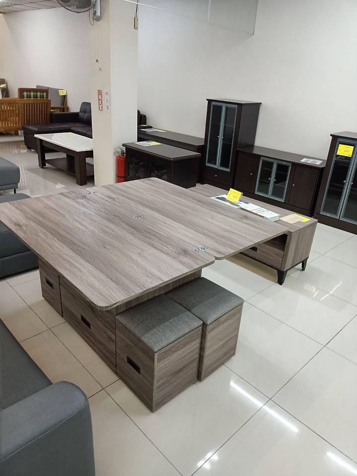 可收可展開的桌子。裝潢案例-板橋小坪數開箱-我的混合風裝潢